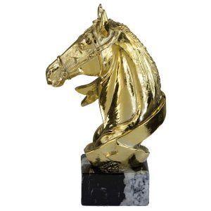 Figura con caballo oro